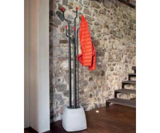 Urban coat hanger by Domitalia