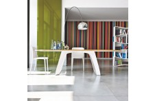 Brenta dining table by Tonin Casa